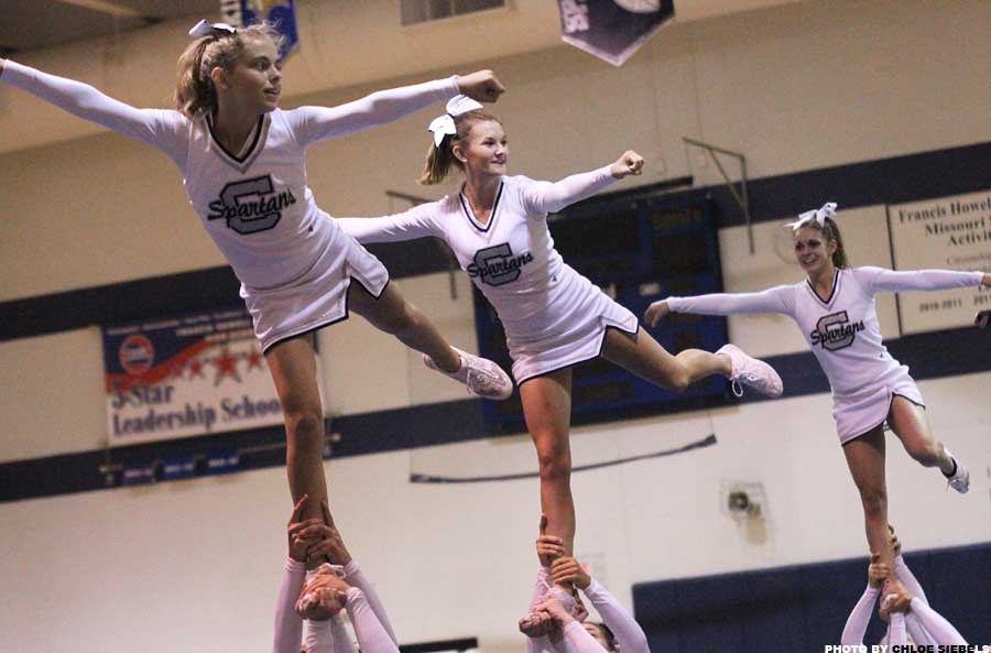 Cheerleaders+performance
