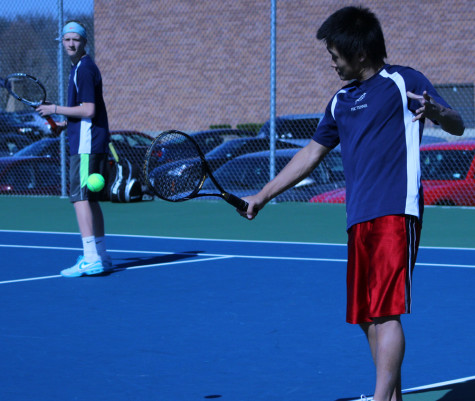 Boys tennis faces off to rival Howell