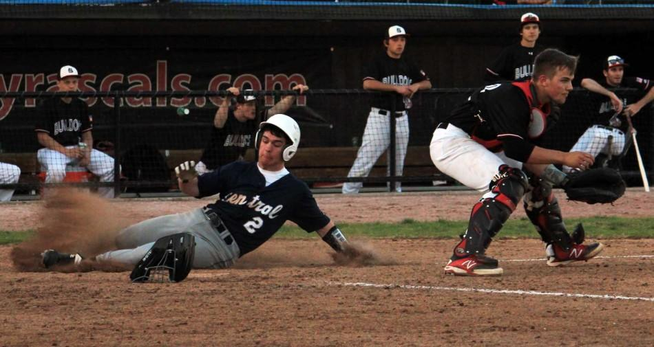 Varsity+baseball+beats+Ft.+Zumwalt+South+7-4