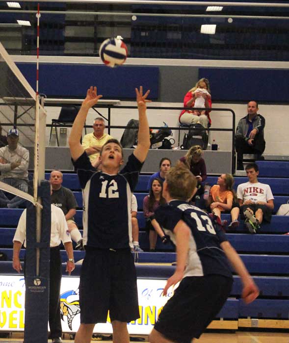 Boys volleyball team defeats Howell