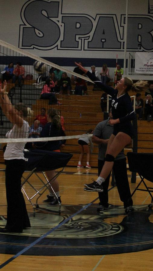 Varsity+volleyball+takes+a+win+from+FHN