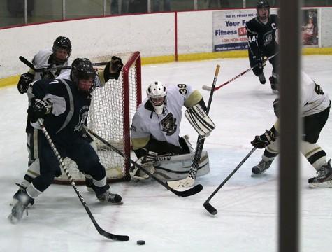 Hockey takes the win against Fort Zumwalt East