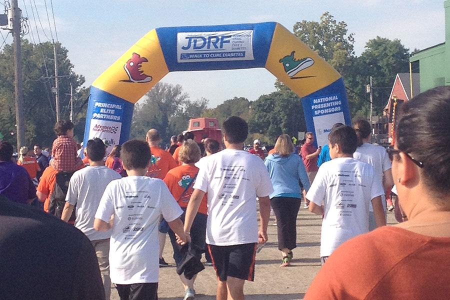 Many+people+spent+one+Saturday+morning+in+September+on+Main+Street+raising+money+and+helping+to+find+a+cure+for+diabetes+with+JDRF%2C+an+organization+made+to+find+a+cure+for+juvenile+diabetes.+