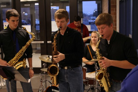 Jazz Ensemble performing in the front of FHC on a Friday. They won't be able to perform at the Fine Arts Festival til May 1st due to the reschedule.