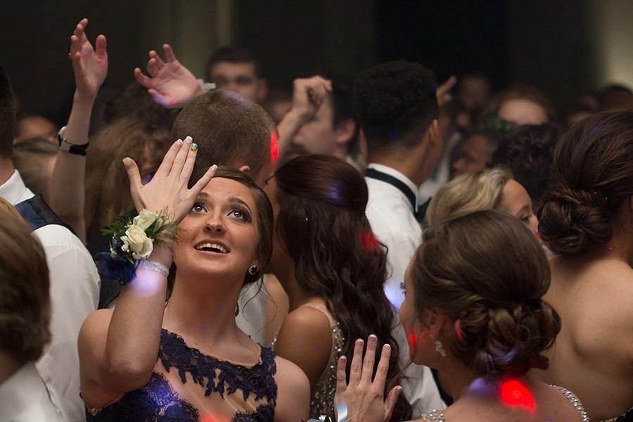 A night in Greece: Prom 2015