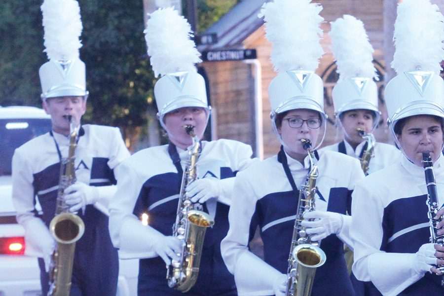 Senior+Mariah+Skelly+plays+her+saxophone+in+the+homecoming+parade