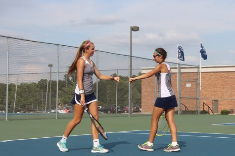 Girls tennis defeats St. Charles West