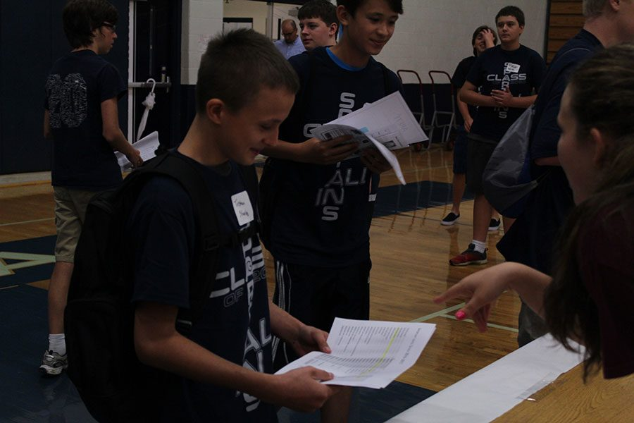 Freshman had the opportunity to meet representatives from different clubs during an activity fair.