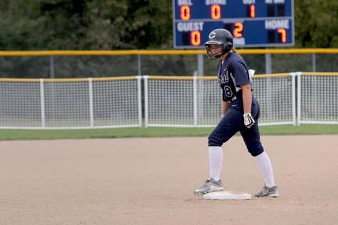 Softball makes landslide win against Zumwalt North