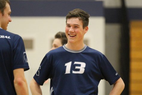 LIVE! Boys volleyball takes on the Knights at 6 p.m.