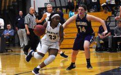 Varsity girls basketball expands on their winning streak