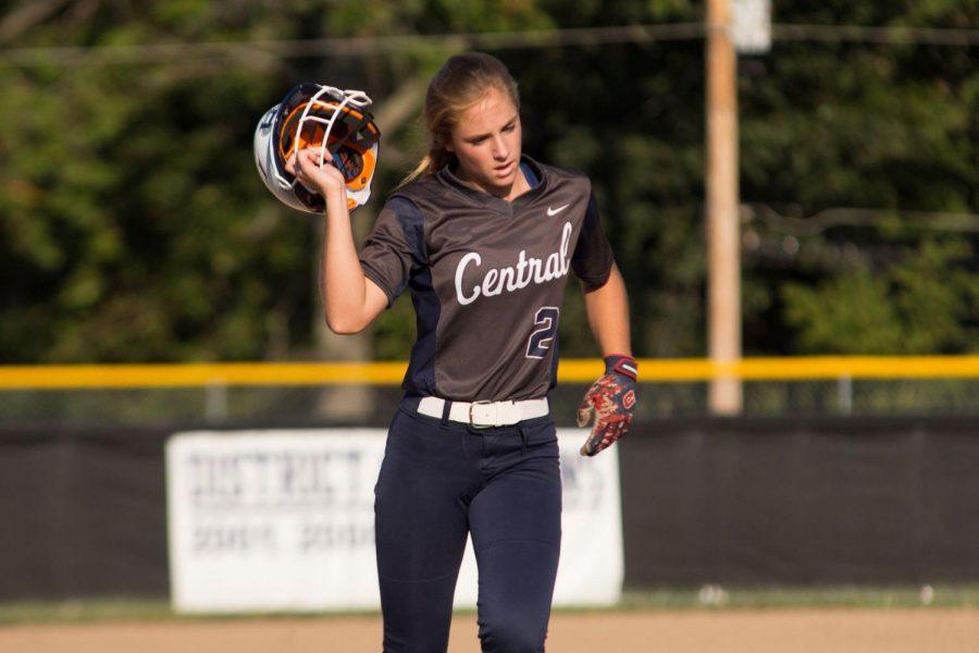 Varsity softball has resilience through tough loss