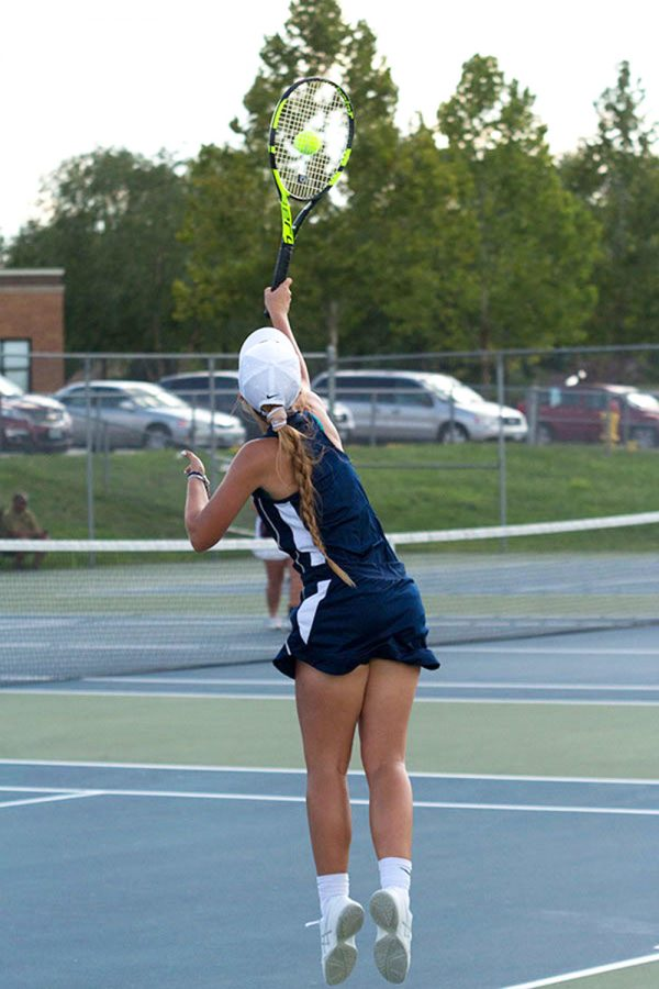 After+struggling+with+injury+at+the+first+tournament+at+Troy%2C+senior+Caroline+Schroeder+returned+to+the+court+at+the+home+doubles+tournament+on+September+8.