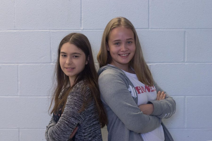 German+exchange+students+Klara+Kumpfel+%28left%29+and+Julia+Jansen+%28right%29+stand+bak+to+back.+Both+students+will+be+attending+Francis+Howell+Central+until+the+end+of+the+school+year.+