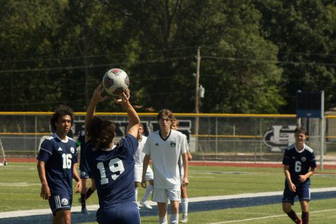Varsity soccer ties Vianney in CYC tournament
