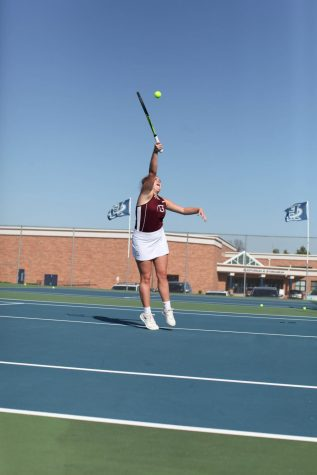 Girls tennis rises in the heat