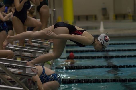 Girls Swim and Dive Prepares for the Season